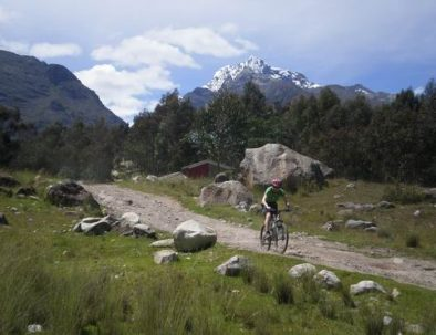 Biking Mountain Biking Cordillera Blanca Huaraz